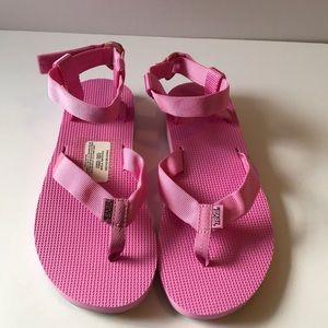 NWOT Teva pink sandals size 9